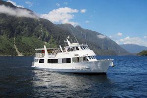 Fiordland Expeditions Overnight and Extended Cruises